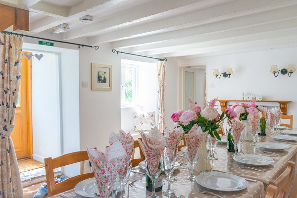The White Cottage dining room